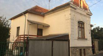 Eladó házrész saroktelken Mosonmagyarórvár #3998 (Győr-Moson m.)