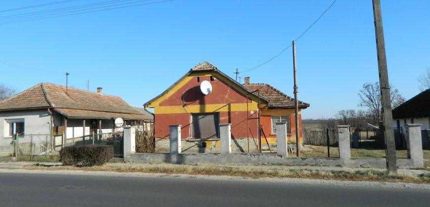 Eladó családi ház és üzlet 8131 Enying (Fejér m.) – Regisztrált Vevőinknek #7726