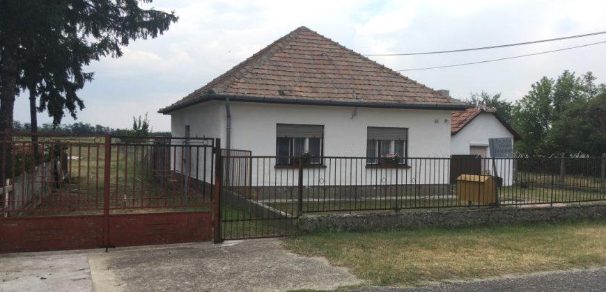Eladó családi ház 2381 Táborfalva, Arany János út 55. alatt (Budapest – Pest m.) #7997
