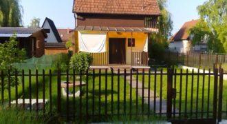 Elkelt hétvégi ház 2252 Tóalmás (Budapest-Pest m.) #9831