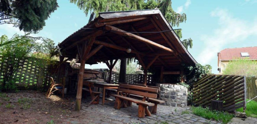 Eladó családi Ház 3534 Miskolc, Kétgenerációs Édenkert, Épített kerttel, kerti tóval (Borsod m.) #13348