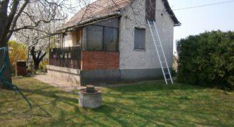 Eladó Házikó Zártkerti Telken 2421 Nagyvenyim (Dunaújváros mellett) (Fejér m.) Regisztrált Vevőinknek #15377