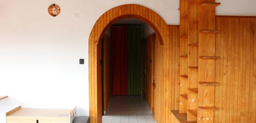 Eladó LAKÁS, Házrész 2600 Vác (Lajostelep), Gyökér utca 15. #15475