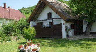 Eladó Kis Nyaraló 8313 Balatongyörök (Zala m.) Regisztrált Vevőinknek #15058