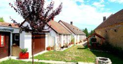 Eladó Különleges PARASZTHÁZ 8500 Pápa (Veszprém m.) Regisztrált Vevőinknek #22431