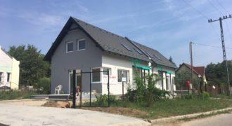 Eladó Ikerház 2112 Veresegyház (Pest m.) Regisztrált Vevőinknek #23651
